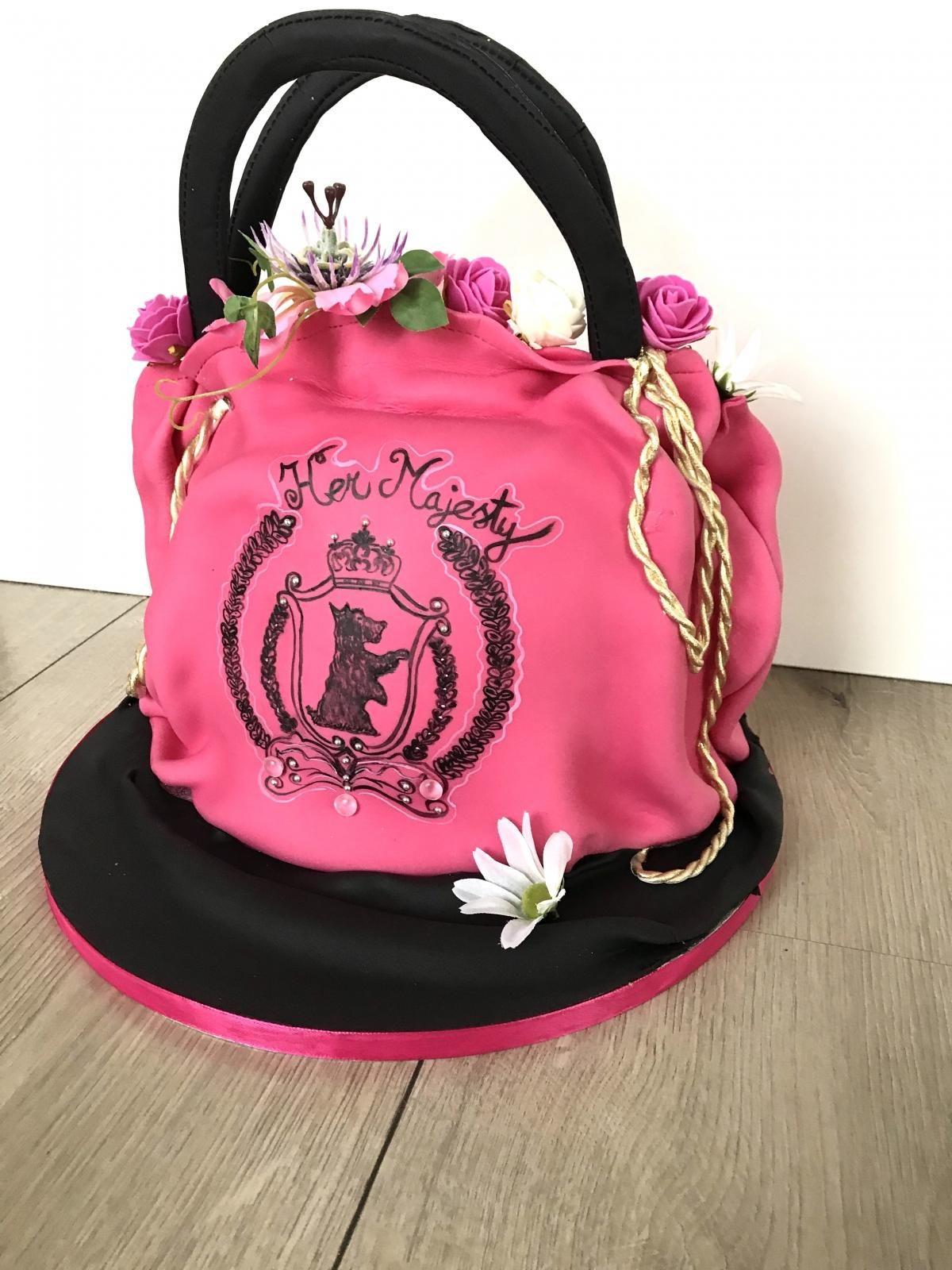 bag cake pink