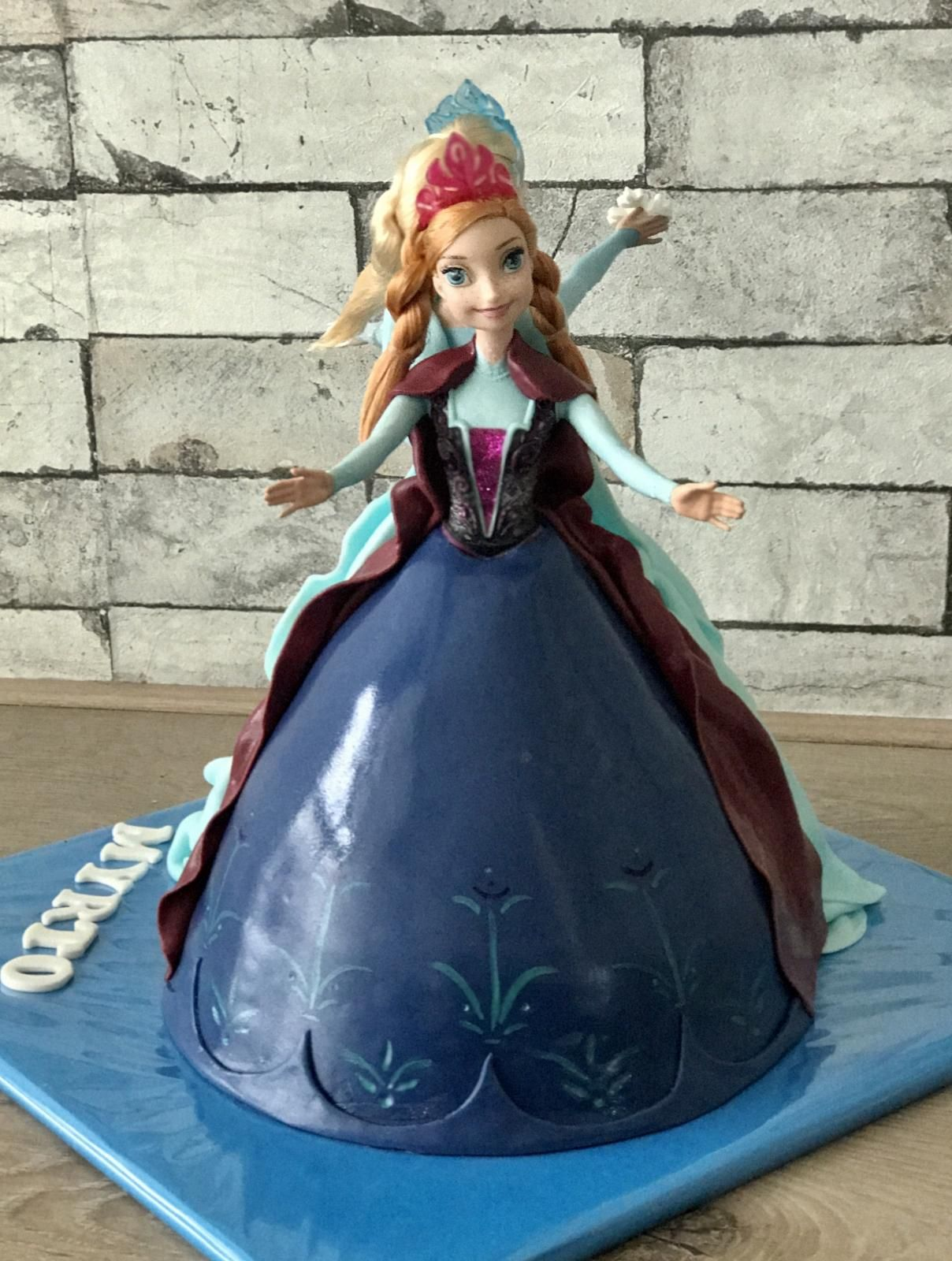 elsa en anna cake