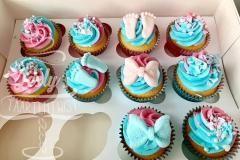 gender-reveal-cupcakes