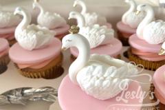 swan-cupcake