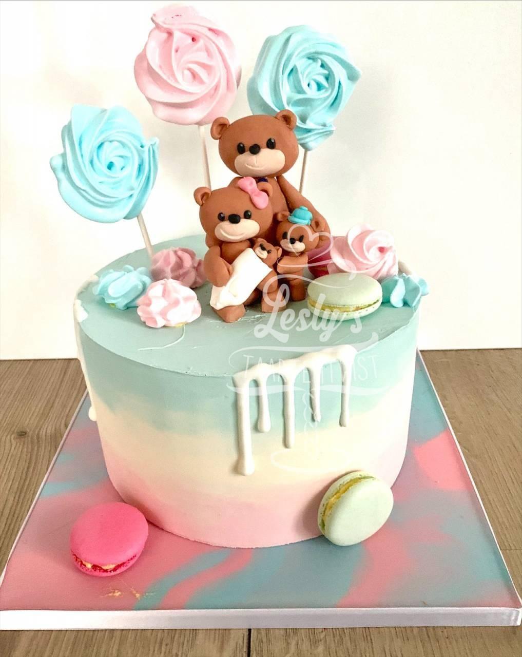 2_genderreveal-cake