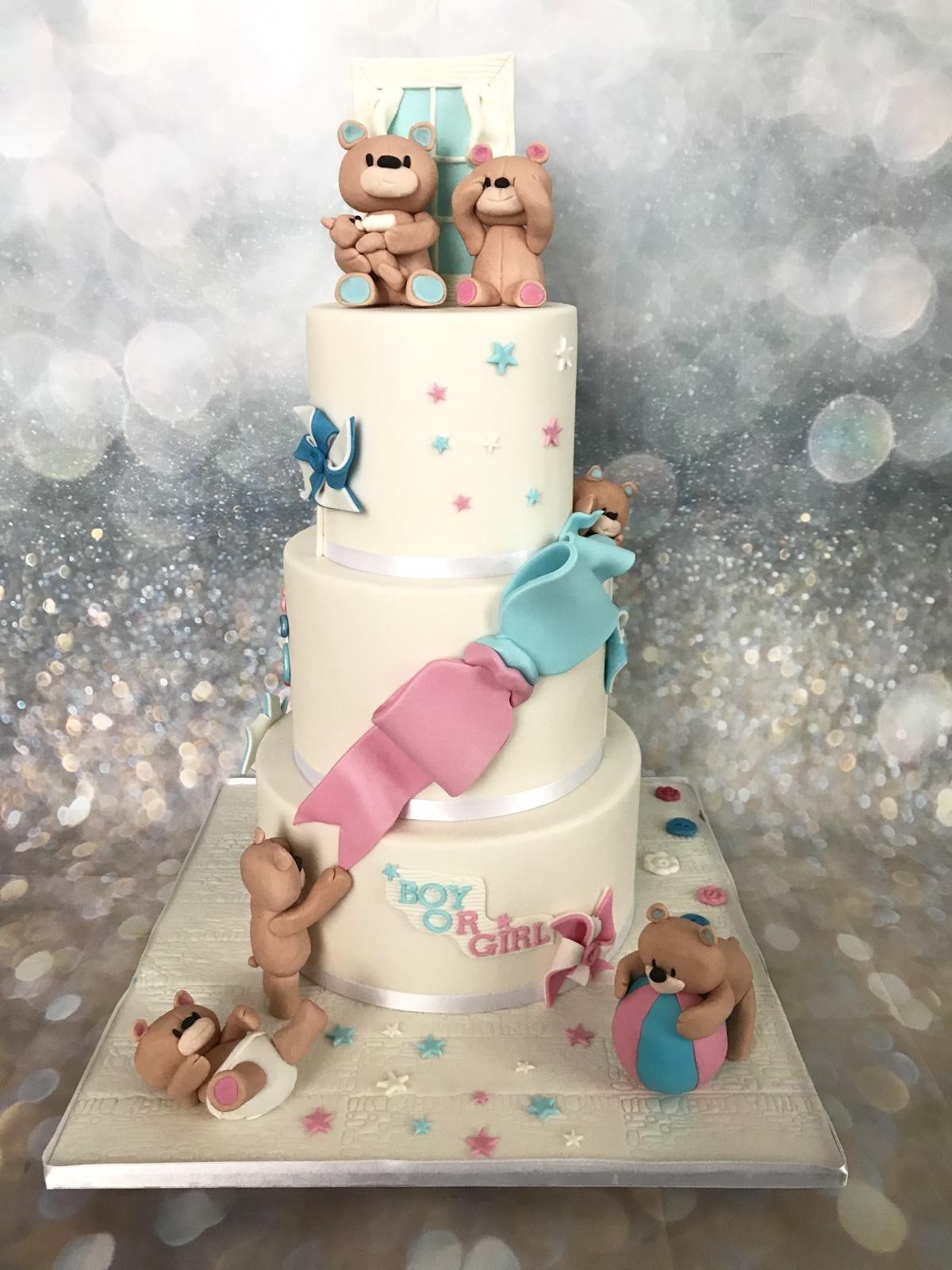 baby reveal bears cake