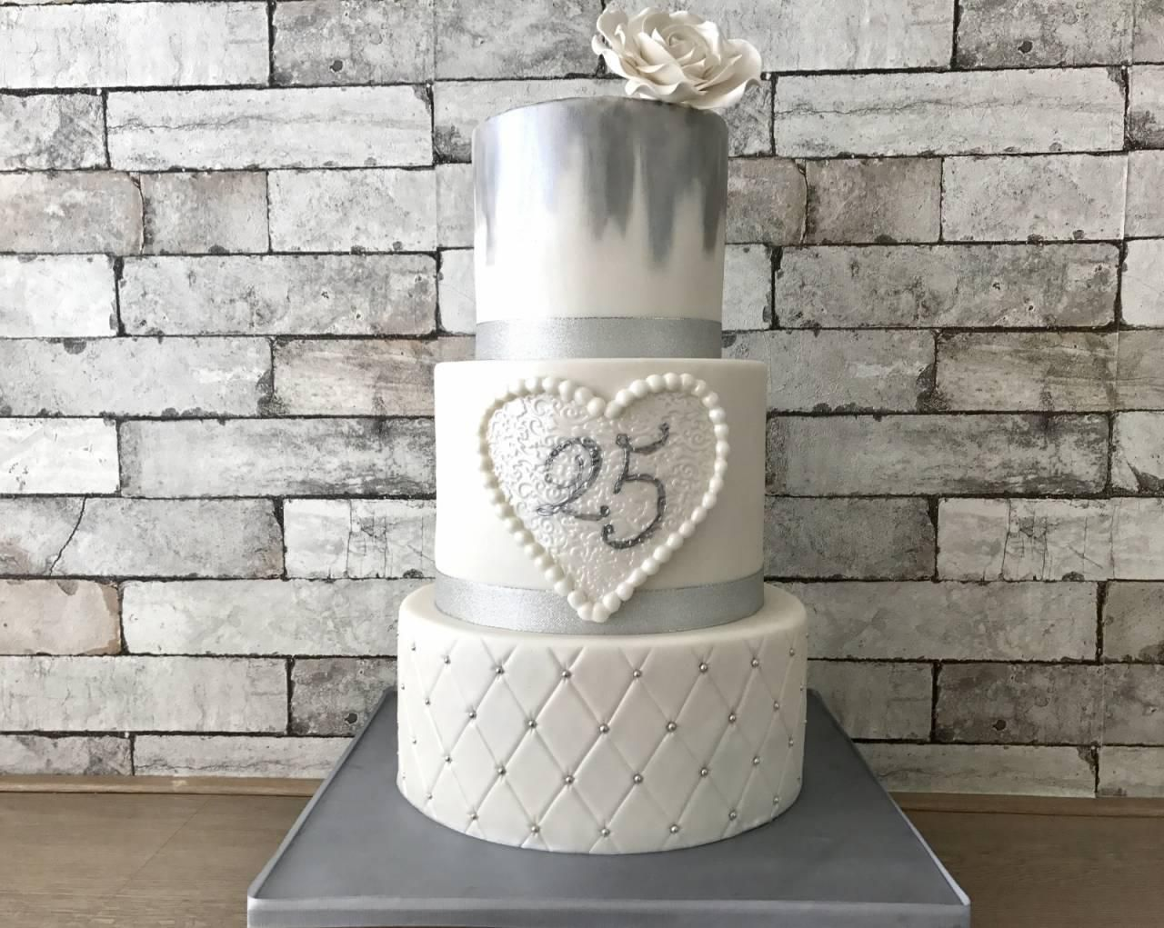 25 jaar getrouwd taart