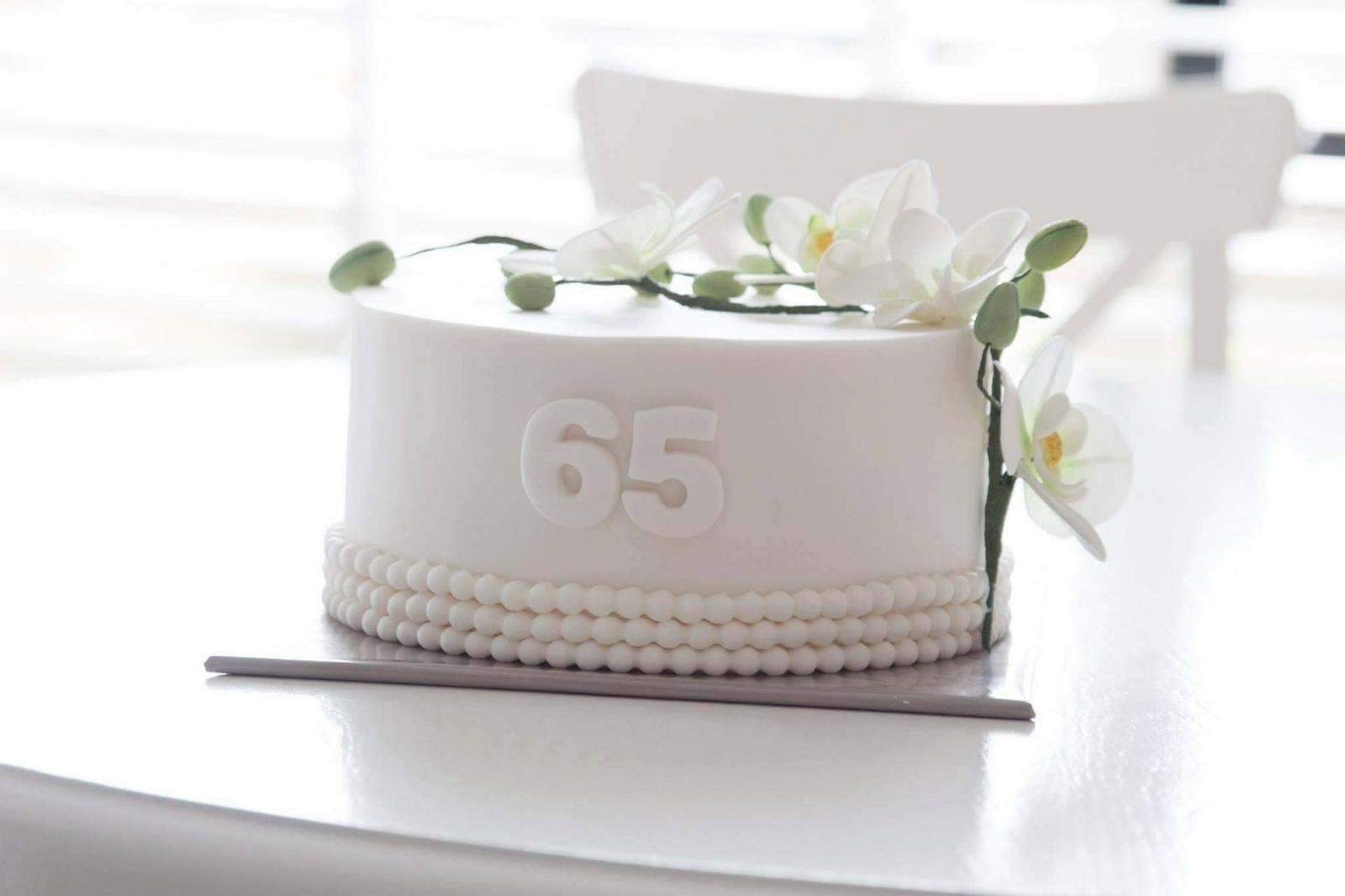 65 jaar jubileum taart