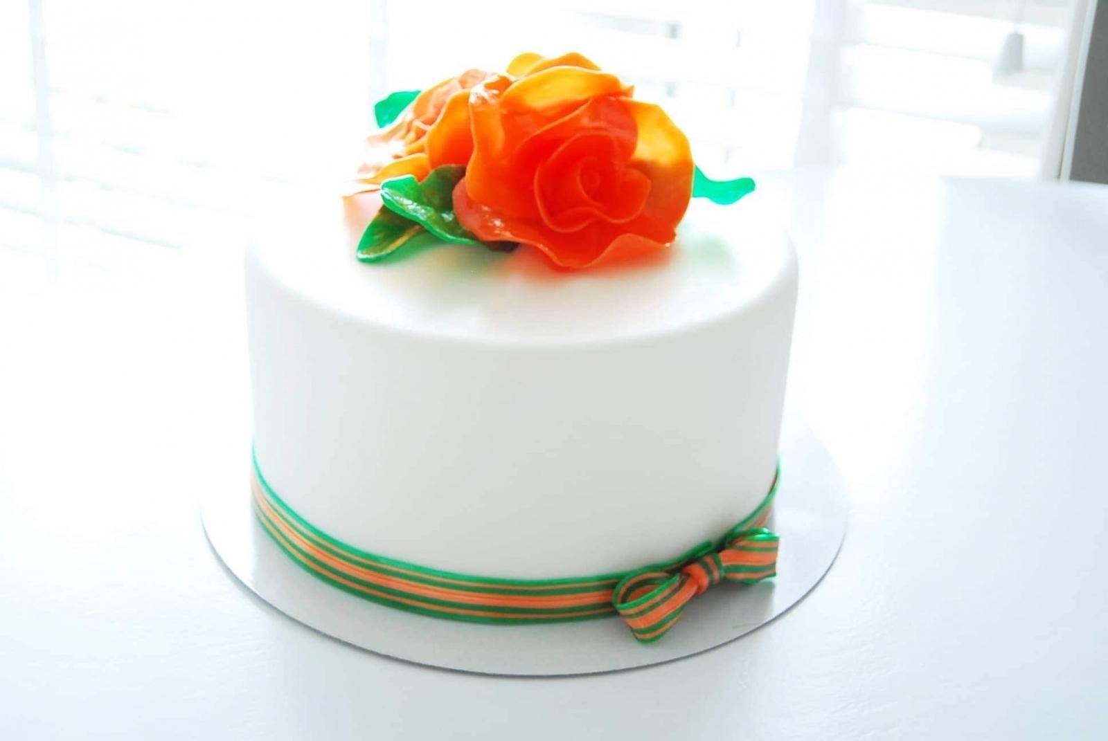 jubileum taart oranje rozen