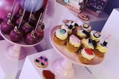 make-up-sweet-table