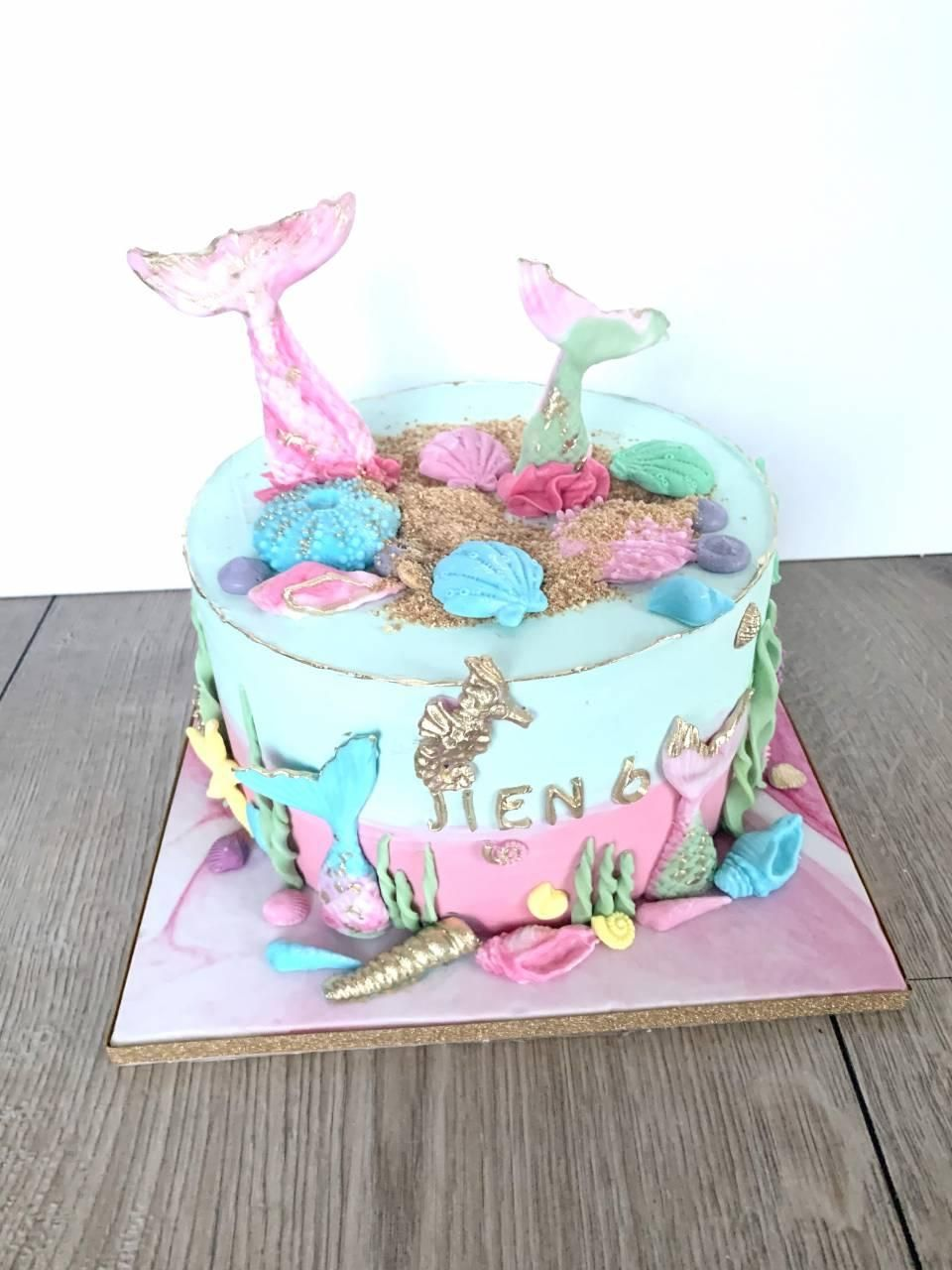 mermaid-drip-cake